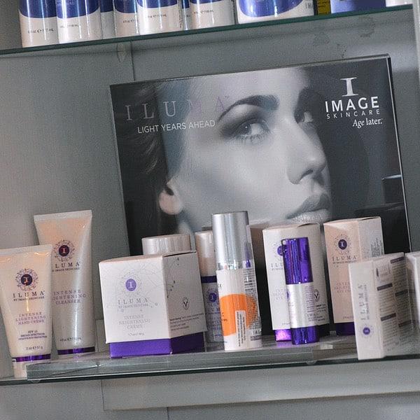 Das Bild zeigt Image Skin Care Produkte im Kosmetikstudio Silke Butenholz